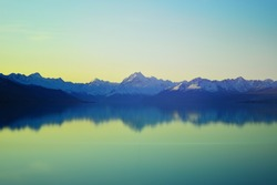 Long exposure shot in the evening at Lake Pukaki.
