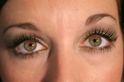 long lashes eyes