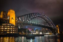 Look at the Sydney harbor bridge at night