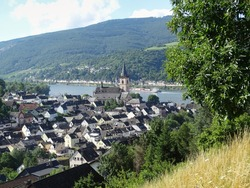 Lorch am Rhein is undisputedly one of the highlights of a Rhine Valley trip. The village is very romantic and the wine is world famous.