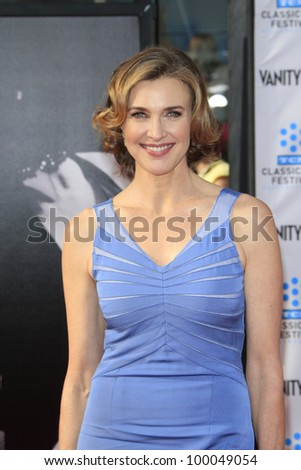 LOS ANGELES - APR 12: Brenda Strong at the TCM Classic Film Festival opening night premiere - 40th anniversary restoration of 'Cabaret' on April 12, 2012 in Los Angeles, California