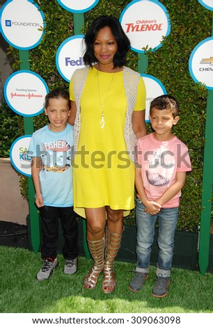 LOS ANGELES - APR 5:  Garcelle Beauvais, sons Jax and Jaid arrives at the SAFE KIDS EVENT  on April 5, 2014 in West Hollywood, CA