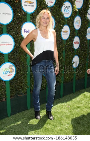 LOS ANGELES - APR 5:  Malin Akerman at the Safe Kids Day Los Angeles 2014 at The Lot on April 5, 2014 in Wesst Hollywood, CA
