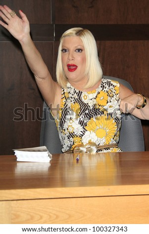 LOS ANGELES - APR 17: Tori Spelling at a signing for her book 'celebraTORI' at Barnes & Noble at The Grove on April 17, 2012 in Los Angeles, California