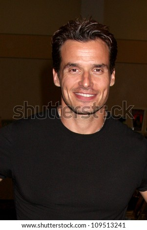 "LOS ANGELES - AUG 4:  Antonio Sabato Jr appearing at the ""Hollywood Show"" at Burbank Marriott Convention Center on August 4, 2012 in Burbank, CA"
