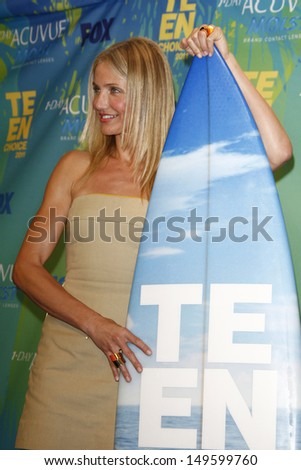 LOS ANGELES - AUG 7: Cameron Diaz at the 2011 Teen Choice Awards held at Gibson Amphitheatre on August 7, 2011 in Los Angeles, California