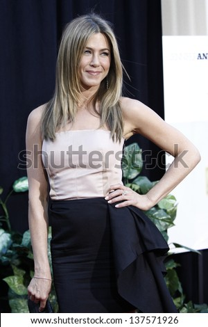 LOS ANGELES - AUG 16: Jennifer Aniston at the world premiere of 'The Switch' held at the Arclight Theatre, Los Angeles, California on August 16, 2010