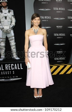 LOS ANGELES - AUG 1: Jessica Biel at the Los Angeles Premiere of 'Total Recall' at Grauman's Chinese Theater on August 1, 2012 in Los Angeles, California