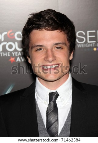 http://image.shutterstock.com/display_pic_with_logo/673594/673594,1298086903,3/stock-photo-los-angeles-aug-josh-hutcherson-arrives-at-the-breakthrough-awards-on-august-71462584.jpg