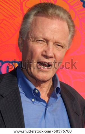 LOS ANGELES - AUGUST 2:  Jon Voight  arrives at the 2010 FOX Summer Press Tour Party at Pacific Park on the Santa Monica Pier on August 2, 2010 in Santa Monica, CA