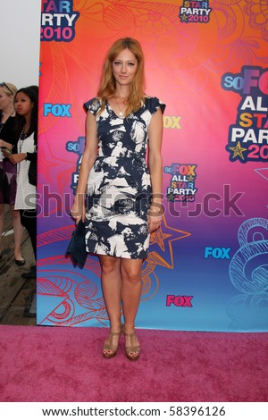 LOS ANGELES - AUGUST 2:  Judy Greer  arrives at the 2010 FOX Summer Press Tour Party at Pacific Park on the Santa Monica Pier on August 2, 2010 in Santa Monica, CA