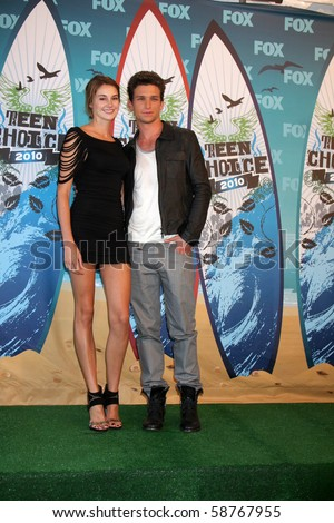 daren kagasoff and shailene woodley. daren kagasoff and shailene