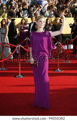 LOS ANGELES, CA - JAN 29: Julie Bowen at the 18th annual Screen Actor Guild Awards at theShrine Auditorium on January 29, 2012 in Los Angeles, California