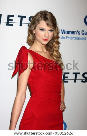 "LOS ANGELES, CA - JAN 27: Taylor Swift at the ""An Unforgettable Evening"" benefiting EIF's Women's Cancer Research Fund on January 27, 2010 in Los Angeles, California"