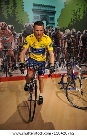 LOS ANGELES, CA - JULY 21, 2009: Lance Armstrong waxwork figure - grand opening of Madame Tussauds Hollywood.