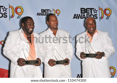 LOS ANGELES, CA - JUNE 28, 2009: The O-Jays at the 2009 BET Awards (Black Entertainment Television) at the Shrine Auditorium.