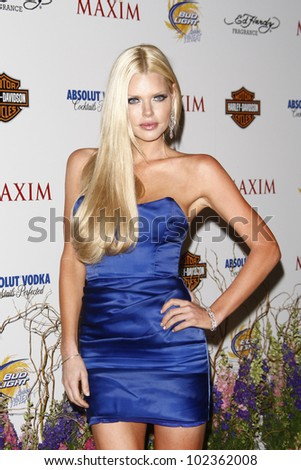 LOS ANGELES, CA - MAY 19: Sophie Monk arrives at the 11th annual Maxim Hot 100 Party at Paramount Studios on May 19, 2010 in Los Angeles, California