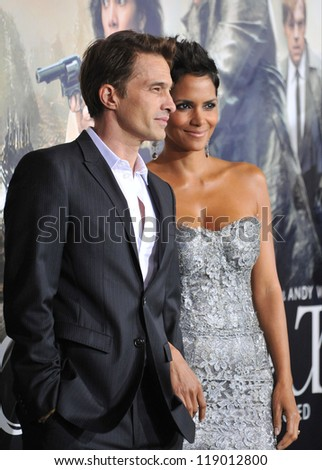 "LOS ANGELES, CA - OCTOBER 24, 2012: Halle Berry & Olivier Martinez at the Los Angeles premiere of her new movie ""Cloud Atlas"" at Grauman's Chinese Theatre, Hollywood."