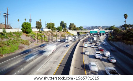Los Angeles, California - Traffic on Interstate 5, I-5 Highway view from N Broadway – Long Exposure Foto stock ©