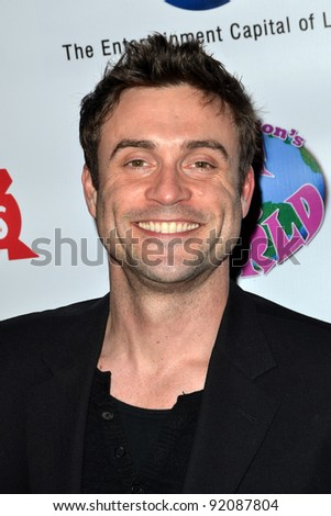 LOS ANGELES - DEC 18:  Daniel Goddard arrives at the Elizabeth Stanton's Sweet 16 birthday party at The Globe Theater at Universal Studios on December 18, 2011 in Los Angeles, CA