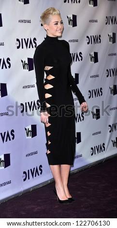 LOS ANGELES - DEC 16:  Miley Cyrus arrives to VH1 Diva's 2012  on December 16, 2012 in Los Angeles, CA