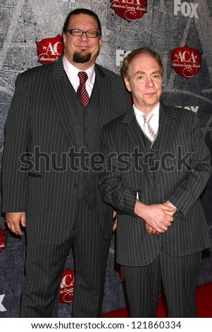 LOS ANGELES - DEC 10:  Penn and Teller arrive to the American Country Awards 2012 at Mandalay Bay Resort and Casino on December 10, 2012 in Las Vegas, NV