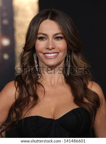 "LOS ANGELES - DEC 05:  SOFIA VERGARA arriving to ""New Year's Eve"" World Premiere  on December 5, 2011 in Hollywood, CA"