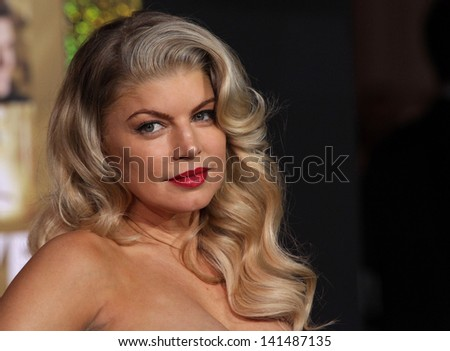 """LOS ANGELES - DEC 05:  STACEY 'Fergie' FEREGUSON arriving to """"New Year's Eve"""" World Premiere  on December 5, 2011 in Hollywood, CA"""