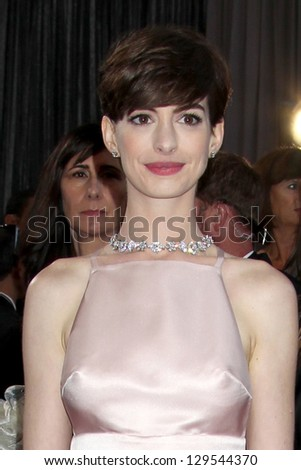 LOS ANGELES - FEB 24:  Anne Hathaway arrives at the 85th Academy Awards presenting the Oscars at the Dolby Theater on February 24, 2013 in Los Angeles, CA