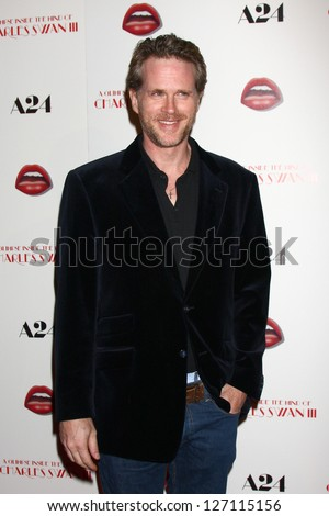 LOS ANGELES - FEB 4:  Cary Elwes arrives at 'A Glimpse Inside the Mind of Charles Swan III' LA Premiere at the ArcLight Hollywood on February 4, 2013 in Los Angeles, CA