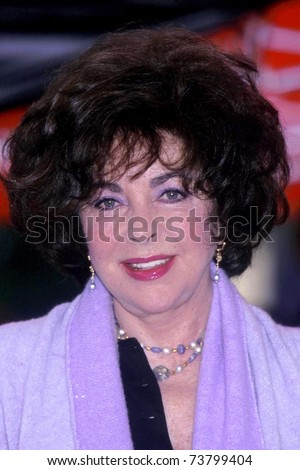 LOS ANGELES - FEB 14:  Elizabeth Taylor at Carol Bayer Sager Hollywood Walk of Fame Star Ceremony  at Walk of Fame on February 14, 2000 in Los Angeles, CA
