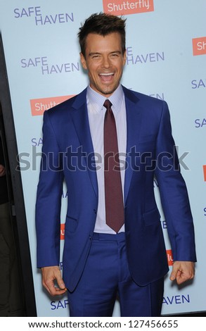 LOS ANGELES - FEB 05:  Josh Duhamel arrives to the 'Safe Haven' Hollywood Premiere  on February 05, 2013 in Hollywood, CA