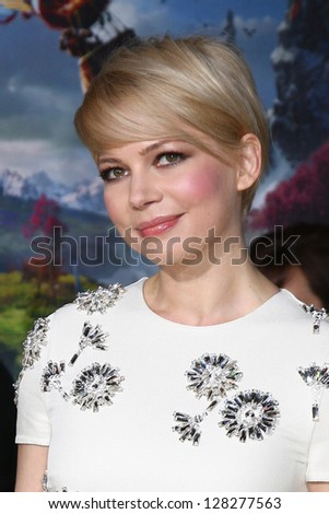 LOS ANGELES - FEB 13:  Michelle Williams at the 'Oz THe Great and Powerful!'  World Premiere at the El Capitan Theater on February 13, 2013 in Los Angeles, CA