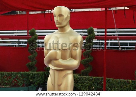 LOS ANGELES - FEB 21: Oscar statue at the arrivals area at the Oscars held at the Dolby Theater in Los Angeles, California on February 21, 2013