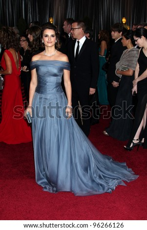 LOS ANGELES - FEB 26:  Penelope Cruz arrives at the 84th Academy Awards at the Hollywood & Highland Center on February 26, 2012 in Los Angeles, CA.