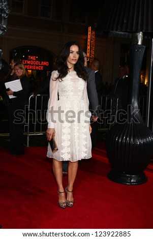 LOS ANGELES - JAN 7:  Abigail Spencer arrives at the 'Gangster Squad' Premiere at Graumans Chinese Theater on January 7, 2013 in Los Angeles, CA