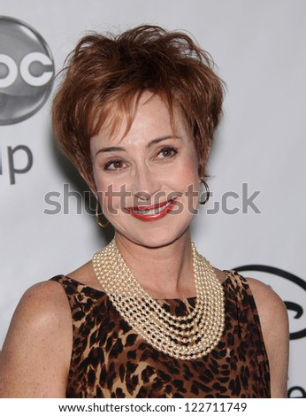 LOS ANGELES - JAN 10:  ANNIE POTTS ABC All Star Winter TCA Party 2012  on January 10, 2012 in Pasadena, CA
