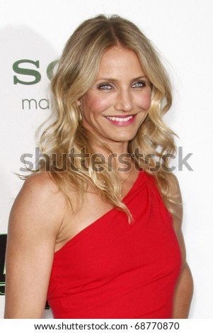 """LOS ANGELES - JAN 10:  Cameron Diaz arrives at the """"Green Hornet"""" Premiere at Grauman's Chinese Theater on January 10, 2011 in Los Angeles, CA"""
