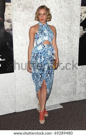"LOS ANGELES - JAN 12:  Chloe Sevigny arrives to Season 5 premiere of ""Big Love""  on January 12, 2011 in Los Angeles, CA"