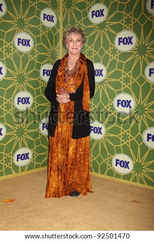 LOS ANGELES - JAN 8:  Cloris Leachman arrives at the Fox TCA Party - Winter 2012 at Castle Green on January 8, 2012 in Pasadena, CA