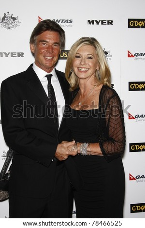 LOS ANGELES - JAN 22: John Easterling, Olivia Newton John at the 2011 G'Day USA Australia Week LA Black Tie Gala at the Hollywood Palladium in Los Angeles, California on  January 22, 2011.