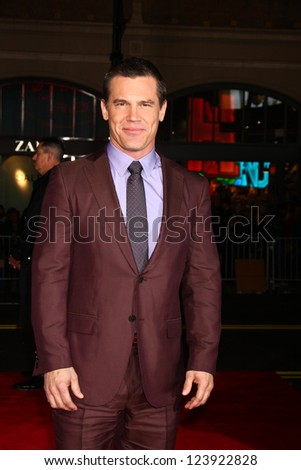 LOS ANGELES - JAN 7:  Josh Brolin arrives at the 'Gangster Squad' Premiere at Graumans Chinese Theater on January 7, 2013 in Los Angeles, CA