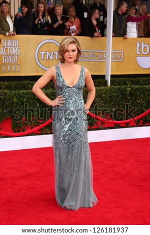 LOS ANGELES - JAN 27:  Julia Stiles arrives at the 2013 Screen Actor's Guild Awards at the Shrine Auditorium on January 27, 2013 in Los Angeles, CA