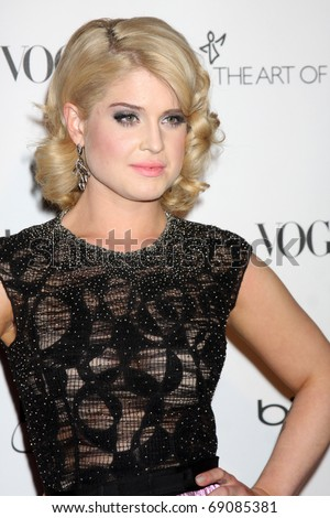 LOS ANGELES - JAN 15:  Kelly Osbourne arrives at the Art Of Elysium 'Heaven' Gala 2011 at The California Science Center Exposition Park  on January 15, 2011 in Los Angeles, CA