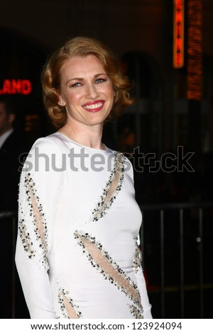 LOS ANGELES - JAN 7:  Mireille Enos arrives at the 'Gangster Squad' Premiere at Graumans Chinese Theater on January 7, 2013 in Los Angeles, CA