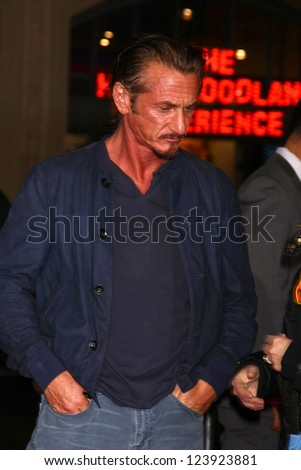 LOS ANGELES - JAN 7:  Sean Penn arrives at the 'Gangster Squad' Premiere at Graumans Chinese Theater on January 7, 2013 in Los Angeles, CA