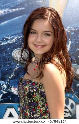 LOS ANGELES - JUL 25:  Ariel Winter arrives at  the \