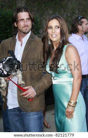 LOS ANGELES - JUL 19: Jillian Barberie and husband Grant Reynolds at the Much Love Animal Rescue fundraiser \'Bow Wow Wow\' at the Playboy Mansion on July 19, 2008 in Los Angeles, California