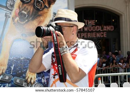 LOS ANGELES - JUL 25:  Joe Pantoliano arrives at  the \