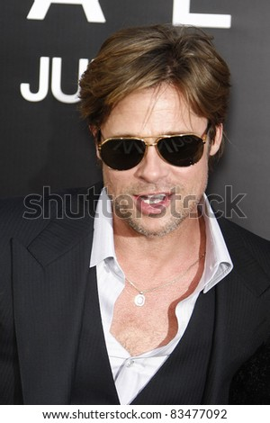 LOS ANGELES - JULY 19: Brad Pitt arrives at the 'Salt' Los Angeles Premiere at Grauman's Chinese Theater on July 19, 2010 in Los Angeles, California